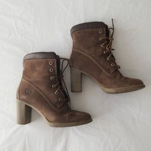 Timberland lace up heeled booties size 6.5